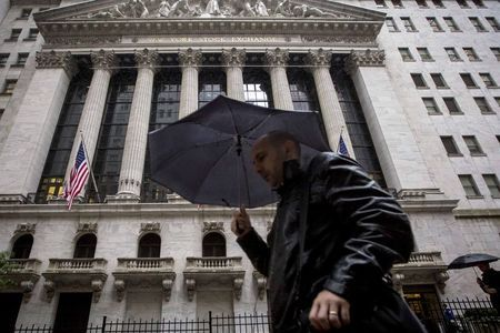 WALL STREET MARQUE UNE PAUSE